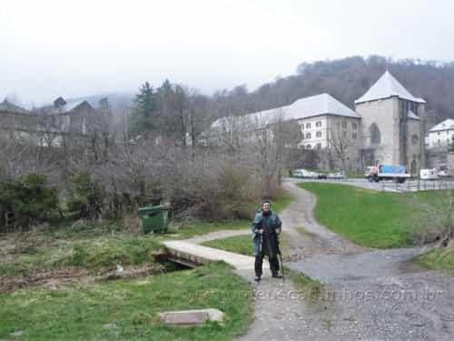Chegada em Roncesvalles (Orreaga), primeiro pueblo em terras espanholas do Caminho de Santiago. Lugar escolhido por muitos peregrinos para iniciar o Caminho Francës, evitando assim a dura travessia dos Pirineus.
